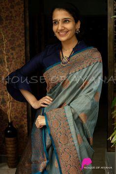 Silk Sarees Online Shopping, Buy Sarees Online, Bridal Silk Saree, Saree Wedding, South Indian Bride Saree, Silk Sarees With Price, Silk Saree Blouse Designs, Weekly Outfits, Saree Models