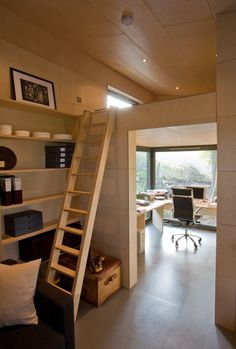 Loft in prefab garden studio, I can't deny this would be awesome. Compact Living, Tiny Living, Small Loft Bedroom, Tiny Home Office, Mini Loft, Sleeping Loft, Tiny Spaces, Building A House, House Plans