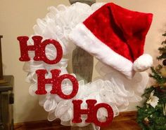 Here are best DIY Christmas Wreath ideas perfect for your Christmas Front Door Decoration. These Christmas Wreaths for Door are easy to make and looks great Wreath Crafts, Diy Wreath, Christmas Projects, Holiday Crafts, Christmas Holidays, Wreath Ideas, White Christmas, Simple Christmas, Tulle Wreath