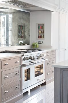 Contemporary Open Plan Kitchen, Theydon Bois - Humphrey Munson Kitchens - Beautiful Handmade Kitchens - Spenlow Cabinetry - Wolf Range Cooker