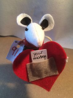 Romantic valentine or proposal mouse