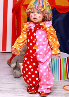 Adult clown Costume Halloween Clown family by MyPu. Clown Party, Halloween Clown, Circus Party, Costume Clown, Clown Cirque, Circus Crafts, Trick Or Treat Costume, Yarn Wig, Circus Decorations