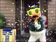 Oregon Ducks mascot parodies PSY's Gangnam Style video | Sports ...