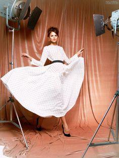 #kamzakrasou #sexi #love #jeans #clothes #dress #shoes #fashion #style #outfit #heels #bags #blouses #dress #dresses #dressup Návrat+v+čase+s+Ulyana+Sergeenko