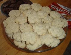 A blog post (with recipe) about making a vegan version of my grandmother Mimi's vanilla-bean cookies.