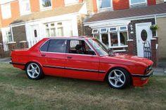 BMW E28 Red