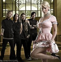 Epic Firetruck's Maria Brink & In This Moment ~ Fille Heavy Metal, Heavy Metal Girl, Heavy Metal Bands, Maria Brink, Butcher Babies, Ladies Of Metal, Dimebag Darrell, Women Of Rock, Pop Rock