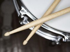 snare drum and sticks.
