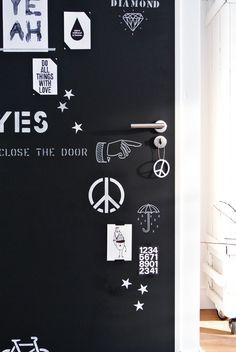 Message center/menus/grocery list/etc? Diy Chalkboard Paint, Home Blogs, Black And White Interior, White Wall Art, Love Home, Scandinavian Home, Dream Decor, Decoration, Sweet Home