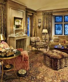 Linda Floyd....love this decorator.