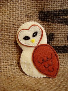 Cute Felt Barn Owl Brooch by VintageKarma on Etsy, $22.00 Craft Club, Felt Christmas Ornaments, Barn, Brooch, Crafty, Cool Stuff, Unique Jewelry, Owls, Handmade Gifts