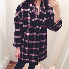 Cozying up in this oversized plaid coat today!  http://www.oxygenboutique.com/Cynthia-Coat.aspx  #ootd #fashion #lookoftheday #trend #instafashion #picoftheday