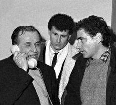Descopera Adevarul: Scenariul grupării Iliescu pentru lovitura de stat... Che Guevara, Couple Photos, Fictional Characters, Art, Google, Couple Shots, Art Background, Kunst