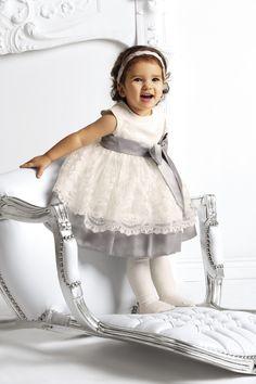 Mała księżniczka w koronkowej sukience Ceremony by Wójcik tylko na united4.pl #ksiezniczka #sukienka #smile #princess #ceremony #united4
