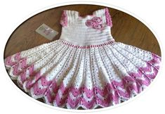 Gratis hækleopskrift - gurlimors.simplesite.com Crochet Girls, Knit Crochet, Flower Girl Dresses, Girls Dresses, Summer Dresses, Stylish, Wedding Dresses, Jelly, Knitting