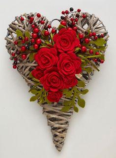 Valentine Wreath, Valentine Day Crafts, Felt Flowers, Paper Flowers, Valentines Day Decorations, Christmas Decorations, Holiday Decor, Garland Hanger, Diy Spring Wreath