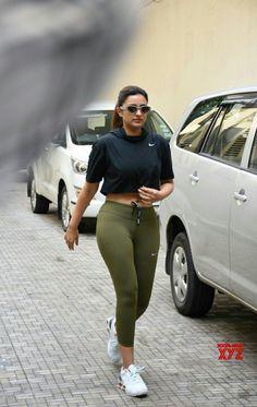 Actress Parineeti Chopra seen at Khar in Mumbai on Sep - Parineeti Chopra Bollywood Actress Hot Photos, Indian Bollywood Actress, Indian Actress Hot Pics, Beautiful Bollywood Actress, Most Beautiful Indian Actress, Indian Actresses, Beautiful Actresses, Bollywood Bikini, Bollywood Girls