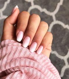 Sie sind der umwerfende Nachfolger der klassischen French Nails und derzeit in jedem Nagelstudio gefragt: Babyboomer-Nägel. Wir verraten euch...