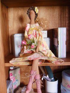 SpringTilda doll, from Orquídea de Feltro