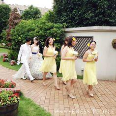 エアリーな質感が女性らしい、レモンイエローのショートドレス。 5wayショートドレス・クレープシフォン(レモンイエロー) #Bridesmaid #Dress #Yellow #Wedding