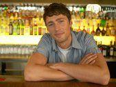 How To Meet Men In Bars ... According To Bartenders [EXPERT]