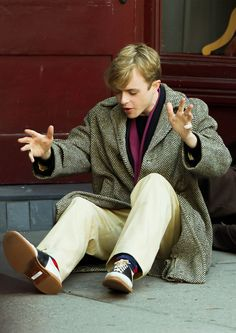 Dane DeHaan in Kill Your Darlings I love this movie so much! It's perfect. Plus, the clothing style is spot on!