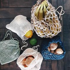 The Mesh Produce Bag Collection Pattern includes 5 detailed crochet patterns to make cotton mesh bag Pdf Patterns, Free Pattern, Crochet Patterns, Crochet Ideas, Diy Sac, Bag Women, Ideias Diy, Produce Bags, Simple Bags