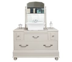 Traditional style vanity unit with countertop basin and mono leaver handled tap and great storage. Designed to grace the most beautiful of bathroom spaces.