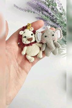 Octopus Crochet Pattern, Crochet Keychain Pattern, Crochet Patterns Amigurumi, Crochet Dolls, Crochet Elephant, Crochet Gifts, Cute Crochet, Crochet Hair Clips, Crochet Doll Tutorial