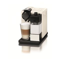 Make delicious and aromatic coffee recipes with Lattissima Touch Glam White coffee machine. Find out more and discover the real essence of coffee. Top Rated Coffee Makers, Coffee Maker Reviews, Coffee Store, Coffee Milk, Nespresso Machine Reviews, Nespresso Lattissima, Best Espresso Machine, Cafetiere, Capsule