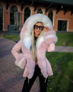 Bad And Boujee, Fox Fur Coat, Fur Fashion, Collar And Cuff, Girly Outfits, Fur Collars, Gorgeous Women, Parka, Winter Jackets
