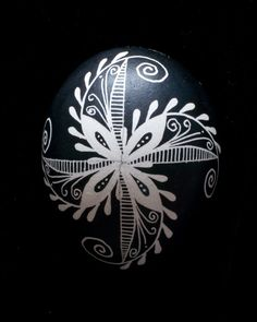 """Feathered Pinwheel"" Chicken Egg Pysanky"