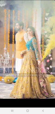 Asian Wedding Dress Pakistani, Pakistani Mehndi Dress, Pakistani Party Wear Dresses, Bridal Mehndi Dresses, Shadi Dresses, Bridal Dress Design, Pakistani Wedding Dresses, Bridal Outfits, Mehendi