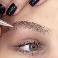 Eyebrow Makeup Tips, Eyeshadow Makeup, Makeup Eyes, Beauty Skin, Beauty Makeup, Maquillage On Fleek, Black Eyebrows, Extreme Makeup, Makeup Brush Holders