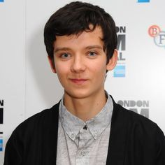 Pin for Later: 23 Actors Perfect For Netflix's A Series of Unfortunate Events Asa Butterfield