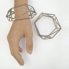 Uhhh.. REALLY love this!!  Comion closed bracelet made of 3d printed steel.