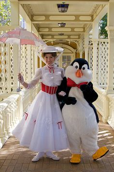 Disney Character Central Walt Disney World Character Finder Cheat Sheet Mary Poppins Penguins, Mary Poppins And Bert, Disney World Characters, Disney Characters Costumes, Disney Love, Disney Magic, Disney Disney, Disney Fairies, Disney World Florida