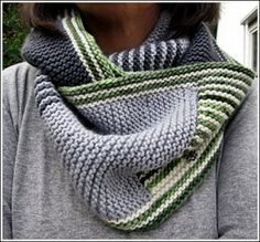 eisig-warm-Cowl by Dreamers Place, free knitting pattern in German and English