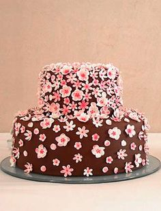 This chocolate wedding cake known as the Cherry Blossom cake is a creation of Maisie Fantaisie of London, England. Cherry Blossom Cake, Cherry Blossom Wedding, Blossom Flower, Cherry Blossoms, Chocolate Apples, Chocolate Fondant, Chocolate Cherry, Wedding Cakes With Cupcakes, Cupcake Cakes