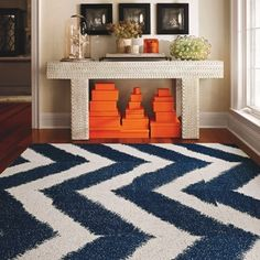 Big broad zig zag rugs. Yes please. I also like the white hexagon rug too.