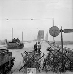 A Cromwell tank of 2nd Welsh Guards crossing the bridge over the River Waal at Nijmegen (September 21, 1944)