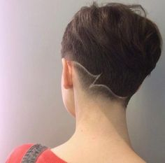 pixie // undercut // chick fade // hair tattoo (by @luisatorres.hair)