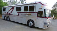 Silver Eagle Bus Pro Level Conversion Ready to Hit the Road **Videos** Luxury Campers, Luxury Bus, Used Bus, Bus Conversion, Silver Eagles, Vintage Trucks, Road Trippin, Greatest Adventure, Motorhome