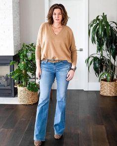 Ripped Jeans Outfit, Denim Outfits, Boyfriend Sweater, Fall Wardrobe, Wardrobe Ideas, Wide Leg Denim, Cool Sweaters, Cashmere Sweaters, Flare Jeans