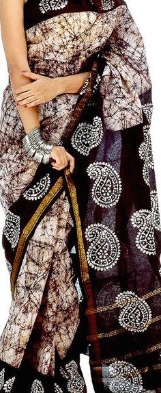 Batik Saree Kolkata - original pin by Ethnic Sarees, Indian Sarees, Indian Attire, Indian Wear, Indian Dresses, Indian Outfits, Black And White Saree, Kalamkari Saree, Simple Sarees