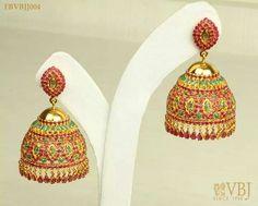 Cute pair of jimmiki kammal. Gold Jhumka Earrings, Gold Earrings Designs, Indian Earrings, Gold Jewellery Design, Jhumka Designs, Diamond Jewellery, Gold Jewelry, Bridal Jewelry Sets, Wedding Jewelry