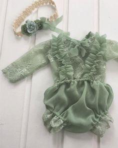 Mameluco del bebé, fotografía de bebé, photoprop, bloomer de bebé, tieback, niña, cordón, lazo trasero, verde, chica tirantes