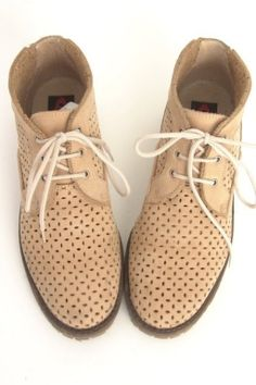 37 | BEIGE CUT OUT LACE UP VINTAGE LEATHER BOOTS