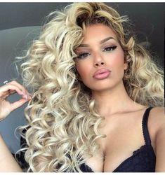67 Short Bob Hairstyles 2019 for Women - Hairstyles Trends Black Hair With Blonde Highlights, Black Hair Curls, Beauté Blonde, Short Blonde, Big Hair, Wavy Hair, Big Blonde Hair, Curly Hair Styles, Natural Hair Styles