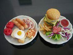 Breakfast and Hamburger on Plates Dollhouse Miniatures Food Supply Deco Barbie